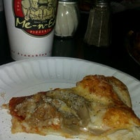 Photo taken at Me-n-Ed's Pizza by Reggie S. on 10/18/2012