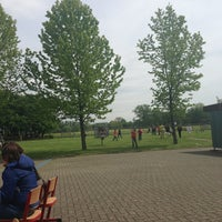 Photo taken at Gemeenteschool De Klinker by Louckx C. on 5/26/2013