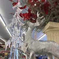 Photo taken at Hobby Lobby by Angie M. on 12/2/2017