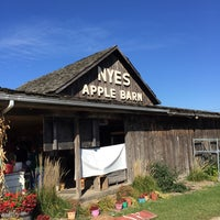 Photo taken at Nye's Apple Barn by Ron A. on 10/25/2014