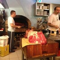 Foto scattata a Osteria Acquacheta da Tesoro il 5/22/2013