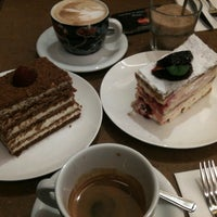 Photo taken at L'ETO Caffe by LazyStreetCat on 10/10/2012