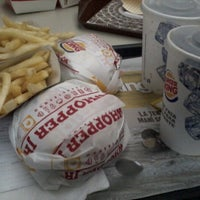 Photo taken at Burger King by Raul Ismael I. on 3/23/2013