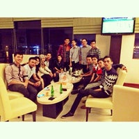 Photo taken at Wiltop Hotel by Rhezza I. on 3/30/2014