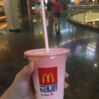 Photo taken at McDonald's & McCafe by Bella Poh on 3/24/2017
