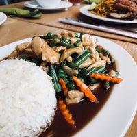 Das Foto wurde bei Pi-Nong Authentische Thai-Küche von Kim L. am 2/15/2018 aufgenommen