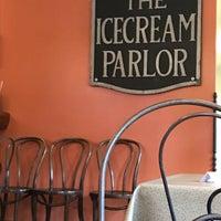 Foto scattata a Queen City Creamery da Edison M. il 8/9/2018