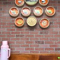 Photo prise au Potala Restaurant par Anne C. le2/24/2018