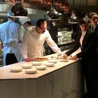 1/27/2018 tarihinde Anne C.ziyaretçi tarafından Chef's Table At Brooklyn Fare'de çekilen fotoğraf