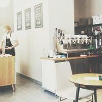 Photo prise au Double B Coffee & Tea par Pavel Y. le7/4/2013