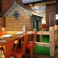 9/15/2012 tarihinde Sandra L.ziyaretçi tarafından Zaffron Kitchen'de çekilen fotoğraf