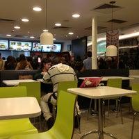 Foto tomada en McDonald's por Meli M. el 6/9/2013
