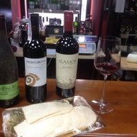 Das Foto wurde bei Wine House von Dmytro V. am 6/21/2014 aufgenommen