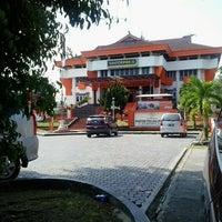 Photo taken at Kantor Pos Balikpapan (Pusat) by Andi Syahrir M. on 9/22/2014