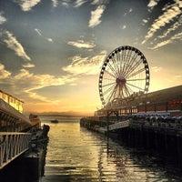 Das Foto wurde bei Waterfront Park von Matt K. am 7/31/2013 aufgenommen