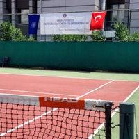 6/15/2014 tarihinde Atilla K.ziyaretçi tarafından Ankara Üniversitesi Tenis Kortları'de çekilen fotoğraf