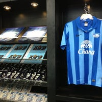 Photo taken at Chonburi F.C. Superstore by นายนันนี่ ช. on 3/2/2013