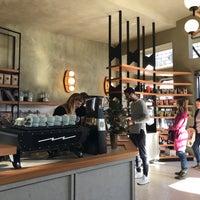Снимок сделан в Sightglass Coffee пользователем Bryan R. 12/3/2017