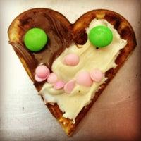11/21/2012 tarihinde Mert A.ziyaretçi tarafından Waffle House-Vitamin Bar'de çekilen fotoğraf