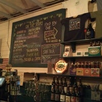 Photo taken at Dogfish Head Brewings & Eats by Donna B. on 9/28/2012