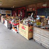 Photo taken at Nye's Apple Barn by Alan L. on 10/15/2013