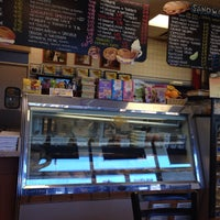 Photo taken at Pauli's Deli & Bagels by Manu T. on 2/2/2015
