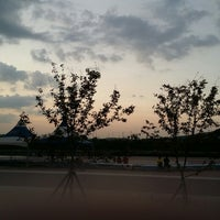 Photo taken at 소바트럭 by HEUNG on 9/13/2014