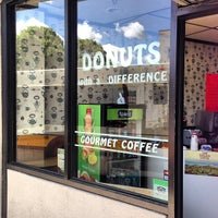 Foto tirada no(a) Donuts with a Difference por Kyle S. em 6/9/2013