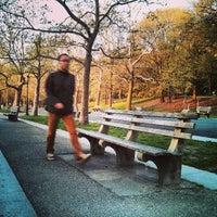 Снимок сделан в Riverside Park пользователем Siraphob R. 4/30/2013