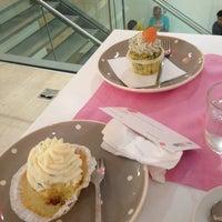 รูปภาพถ่ายที่ CupCakes Wien im mumok โดย Anastasia M. เมื่อ 7/31/2013