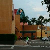 Photo taken at Shopping Iguatemi by Nilton T. on 12/29/2012