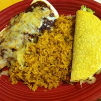 Photo taken at Pacifico Mexican Restaurant by Aizle D. on 10/6/2012
