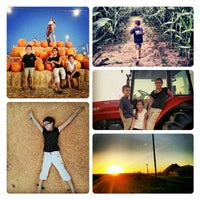 Photo taken at Dutch Hollow Farms by Evan Y. on 10/20/2012