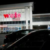 Photo taken at Weis Markets by Desmond T. on 2/24/2014