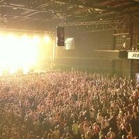 Снимок сделан в Stadium Live пользователем Marika V. 9/15/2013