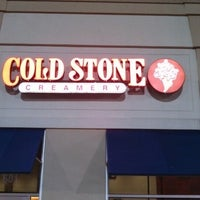 Photo taken at Cold Stone Creamery by Queen Karma on 7/22/2013