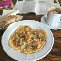 Foto scattata a Café Meerwiesen da Joy L. il 7/4/2016