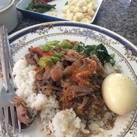 Photo taken at หน่อย ขาหมูตลาดค่าย by Deer W. on 2/9/2014