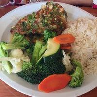 Снимок сделан в Chicken Maison пользователем Stephie [. 12/21/2012
