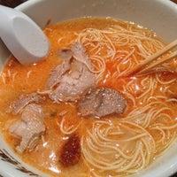 Photo taken at Shin-Sen-Gumi Hakata Ramen by Stephie L. on 12/26/2012