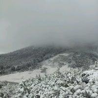 Photo taken at 燧ヶ岳(柴安嵓) by Mamiko K. on 10/27/2013