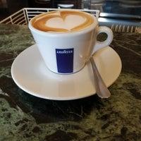 Foto scattata a Caffé Pasticceria Piccardo da Marco V. il 4/23/2018