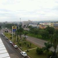 Foto tirada no(a) Nobile Plaza Hotel por Thiago E. em 1/9/2013