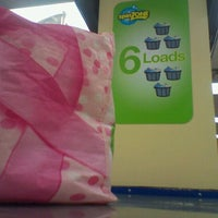 Photo taken at SpinZone Laundry North by Lady G. on 9/25/2012