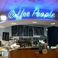 Photo prise au BookPeople Cafe par Courtney A. le2/4/2013