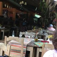 Foto tirada no(a) Dona Pinha Restaurante por Vera Ligia C. em 10/27/2017