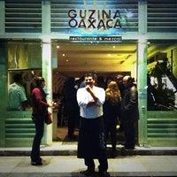 รูปภาพถ่ายที่ Guzina Oaxaca โดย Alejandro Z. เมื่อ 1/30/2014