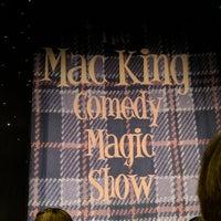 Foto tomada en The Mac King Comedy Magic Show por Benjamin E. el 5/2/2018