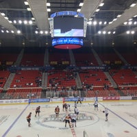 Photo taken at Oklahoma City Barons Hockey by Ding Gullberry R. on 4/7/2013