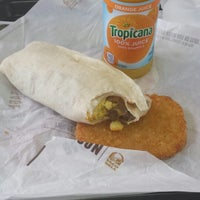 Photo taken at Taco Bell by Irma V. on 4/15/2014